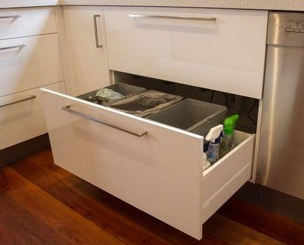 Lujoso Mueble De Cocina De Hardware Cajón De La Basura Ilustración ...